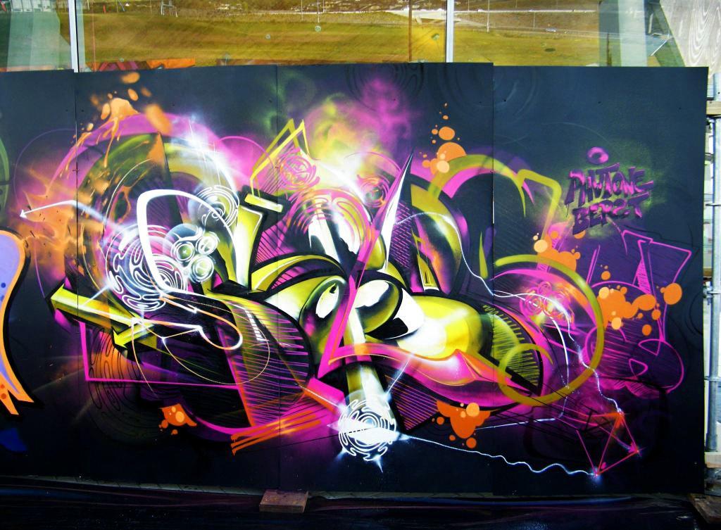 http://ironlak.com/wp-content/uploads/2011/11/viaREVOK_SOFLES_04.jpg
